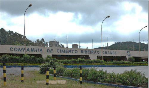 Votorantim suspende a produção de cimento